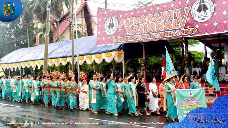 Pembukaan PESPARAWI Nasional V dan HUT PWGT Gereja Toraja ke-53