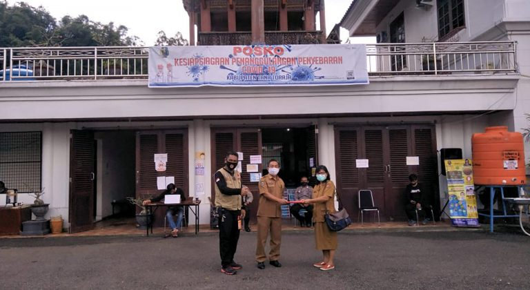 ASN Dinas Koperasi dan UMKM Tana Toraja Patungan untuk Sumbangan Bantuan Penanganan Covid-19