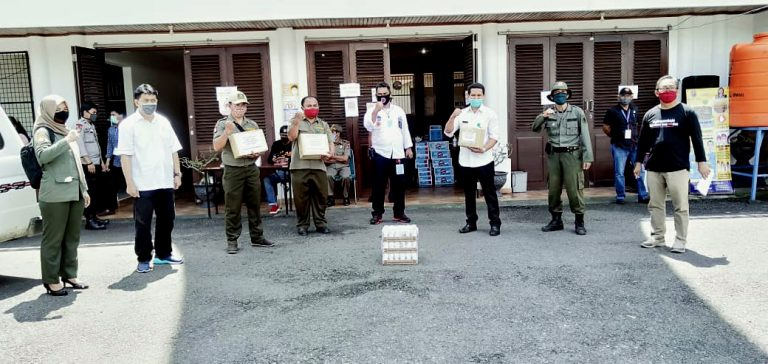 KPH SADDANG I Serahkan Bantuan ke Posko Satgas Covid-19 Tana Toraja