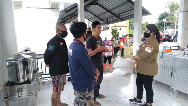 Legislator DPR RI Eva Stevany Rataba Apresiasi Tim Relawan Sentuhan Peduli Sesama Tana Toraja