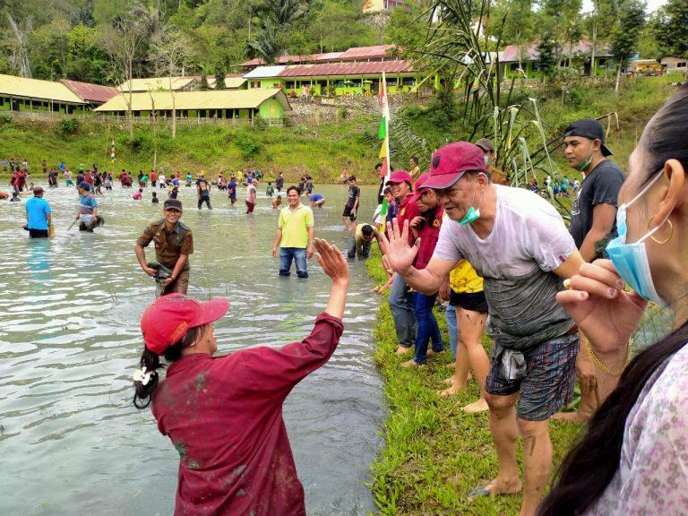Ungkapan Syukur Hasil Panen, Masyarakat Makale Selatan Gelar Pesta Rakyat Mebale