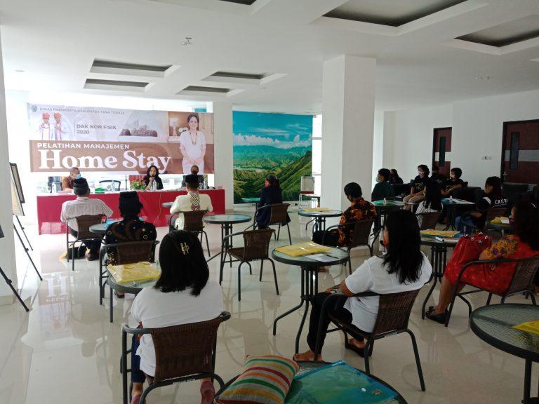 Dinas Pariwisata Kabupaten Tana Toraja Menggelar Pelatihan Manajemen Home Stay