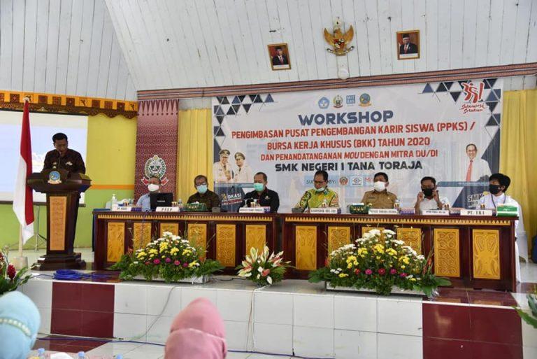 Pjs Bupati Tana Toraja Apresiasi Workshop PPKS untuk Bursa Kerja di SMKN 1 dan hadirkan Kadisdik Sulsel serta Mitra Industri