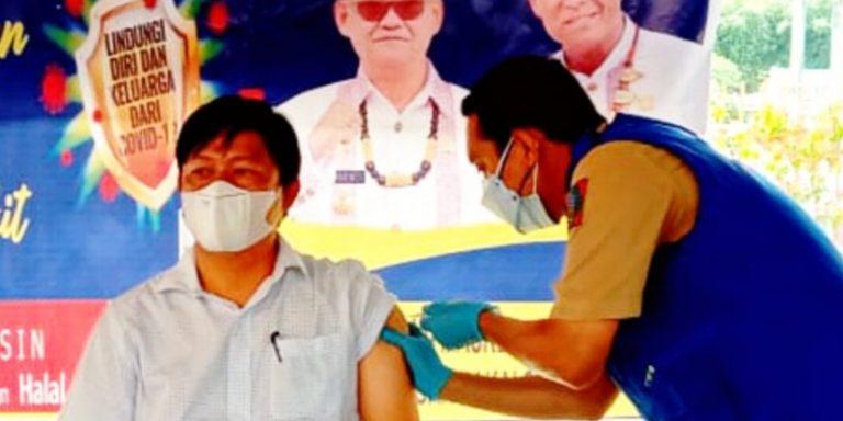 Wakil Ketua DPRD Tana Toraja menyarankan agar tidak takut divaksin
